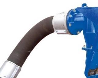 Колена Trellex 3xD 45° целиком изготовлены из резины, армированы кордом и спиралью из оцинкованной стальной проволоки. Для оптимизации срока наработки внешняя стенка колена более чем на 30% толще внутренней. Колено может быть изогнуто до 55°. Толстые гладкостенные колена обладают низким гидравлическим сопротивлением и обеспечивают большой срок эксплуатации. Запас прочности - 1.5 номинала рабочего давления. Устанавливаются просто и быстро, без применения специальных инструментов. Подробная информация: 🔶 yugminerals.ru ☎️ 8 960 487 55 55