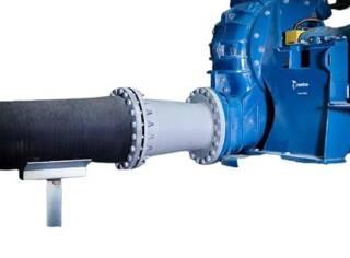 Стальные футерованные резиной переходники Trellex сварены из прокатного стального листа и футерованы 10 мм резиной Т50. Запас прочности – 1,5 номинала рабочего давления. Конусность менее 2x8° обеспечивает плавность потока без турбулентности. Используются для соединения труб или гибких трубопроводов различных диаметров.  По запросу доступны специальные фланцы для подсоединения насосов, дренажные трубы, трубы с резьбовым соединением, а также эксцентрические переходники.  Подробная информация: 🔶 yugminerals.ru ☎️ 8 960 487 55 55
